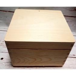 ***skrzynka drewniana 20*20*14 cm